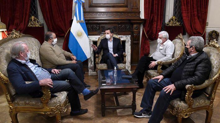 Sergio Massa se reunió en la Cámara de Diputados con una delegación de la CGT encabezada por Héctor Daer y Carlos Acuña