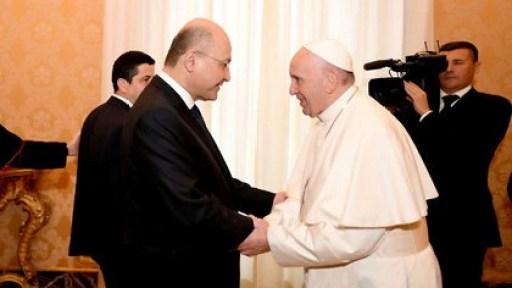 El presidente de Irak, Barham Salih, visitó al Papa Francisco en el Vaticano en noviembre de 2018. Quiere promover el regreso de los cristianos a Irak (REUTERS)