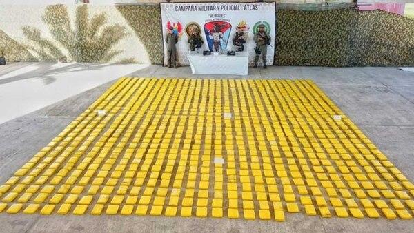 Casi una tonelada de cocaína fue incautada en Tumaco (Foto Armada Nacional).