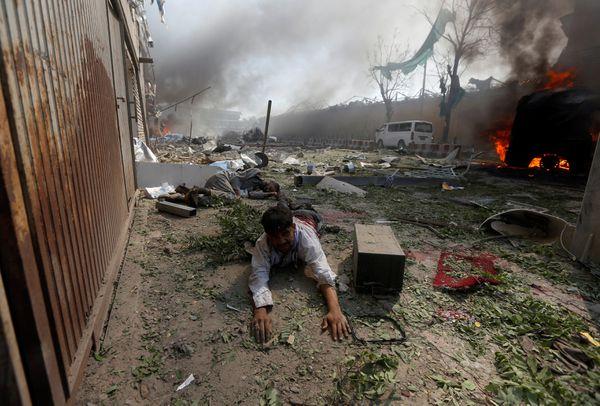 Un hombre herido en el atentado (Reuters)