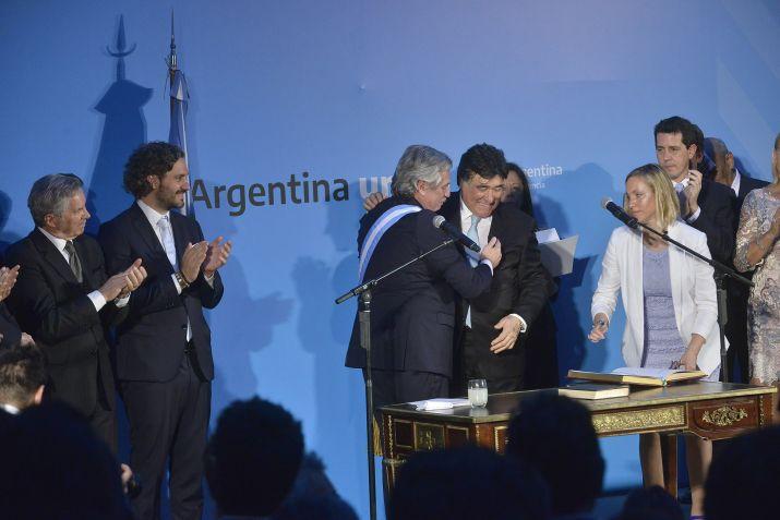 Alberto Fernández toma juramento a Carlos Zannini como Procurador del Tesoro. (Gustavo Gavotti)