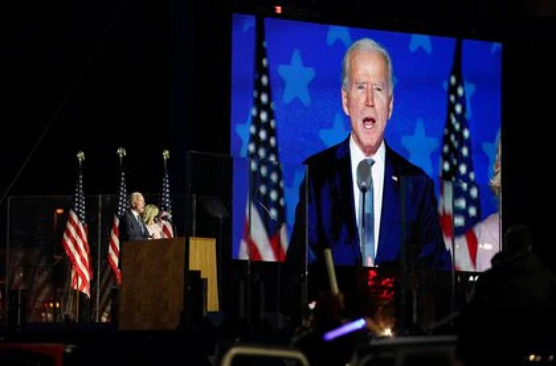 Joe Biden pidió paciencia para esperar el conteo de todos los votos (REUTERS/Kevin Lamarque)