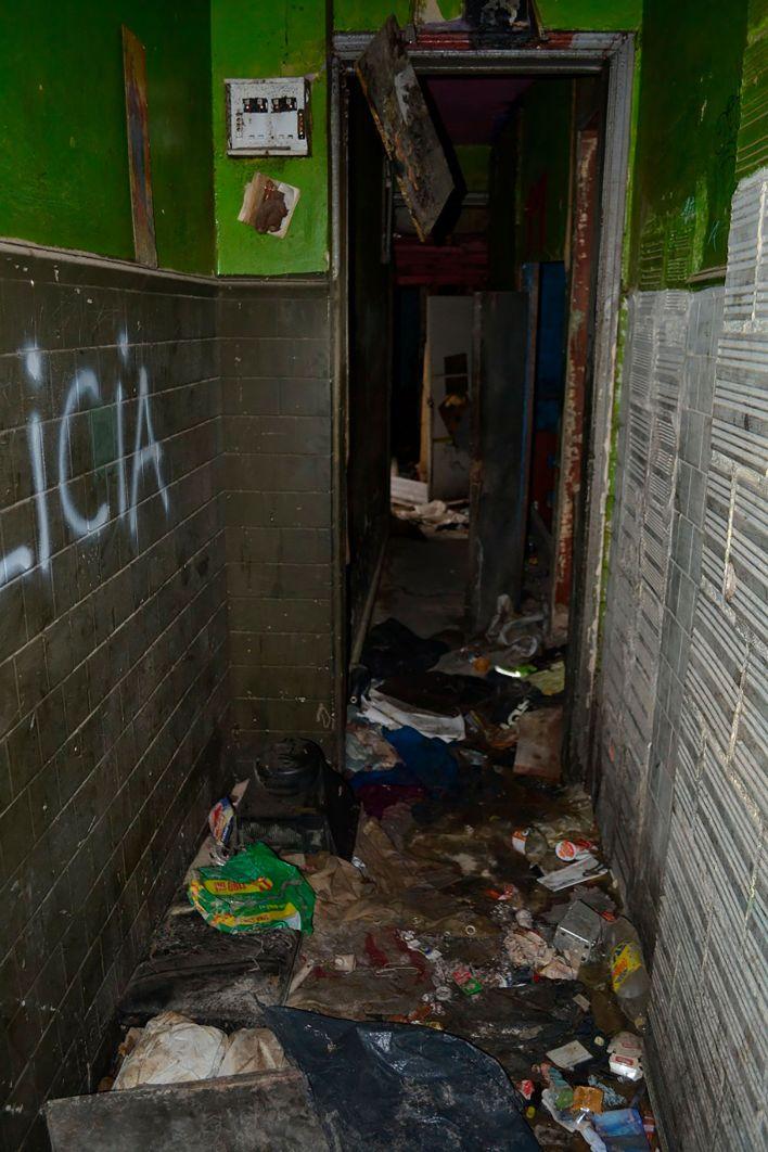 Aspecto de las casas al interior de Bronx. En estas condiciones de hacinamiento, suciedad y abandono vivían cerca de 3.500 personas.