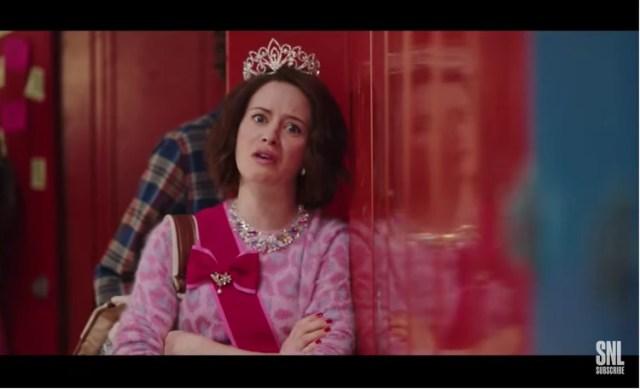 Claire Foy en una sátira de The Crown en SNL (SNL/NBC)
