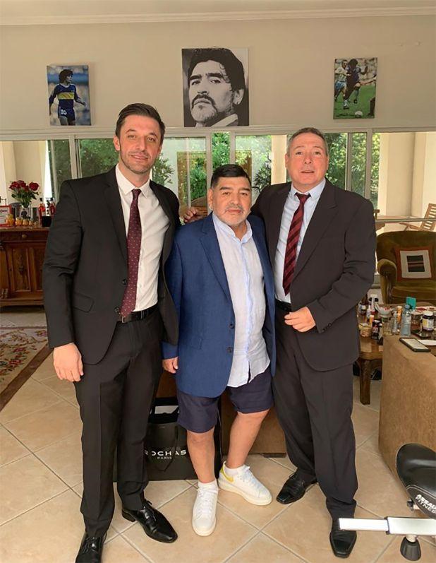 Maradona, antes de partir a Casa Rosada (@MatiasMorlaAb)