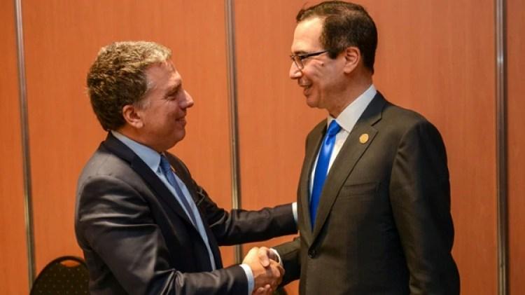 El ministro Nicolás Dujovne y el secretario del Tesoro de los EEUU Steven Mnuchin