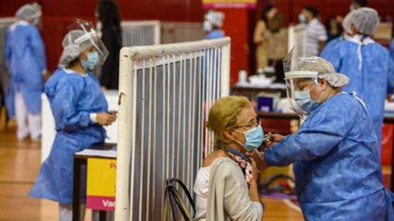 Fase 2: esperan la apertura de la inscripción para vacunar a mayores de edad