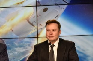 The career of millions of egos and projects in the world and in space: Elon Musk displaced Jeff Bezos and became the richest person in the world again.