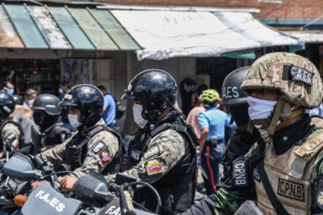 FOTO DE ARCHIVO: Agentes de las FAES en Caracas, Venezuela (ROMAN CAMACHO / ZUMA PRESS / CONTACTOPHOTO)