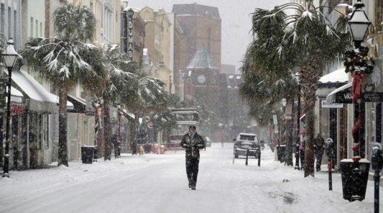 King Street en Charleston, Carolina del Sur (Matthew Fortner/The Post And Courier via AP)
