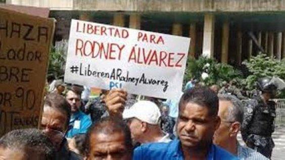 Obreros pidiendo libertad para Rodney Álvarez