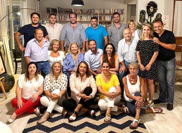 Elisa Carrió rodeada de los diputados de la Coalición Cívica (Foto: Prensa CC)