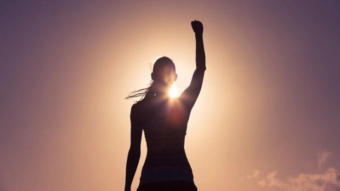 Vencer el orgullo no significa dejar de apreciarnos o sentirnos bien con nosotros mismos, sino entrar en sintonía con los temores y debilidades
