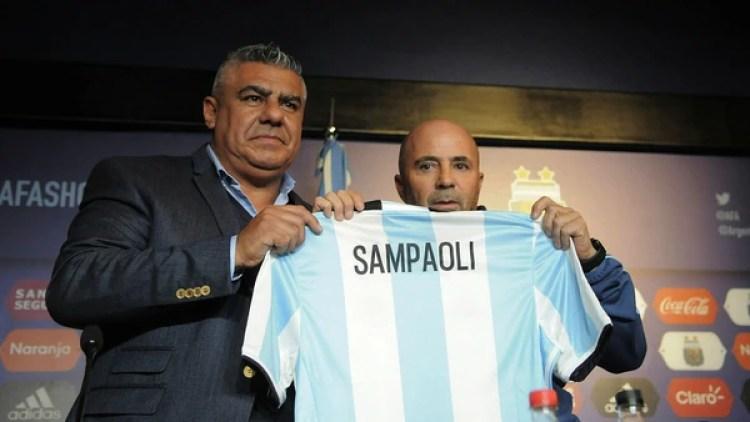 Claudio Tapia y Jorge Sampaoli (DyN)