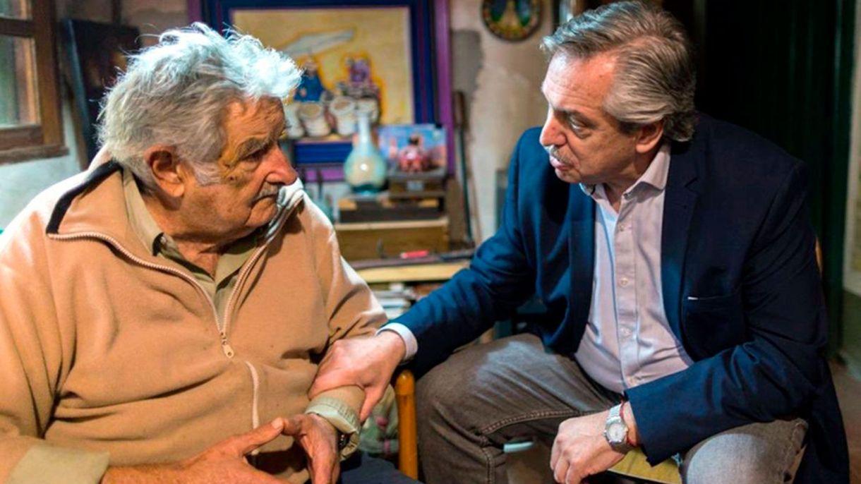 """José """"Pepe"""" Mujica y Alberto Fernández en Montevideo"""