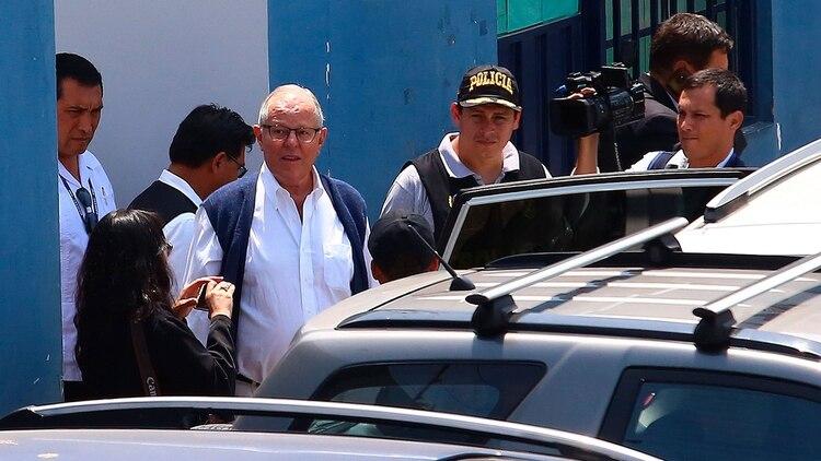 El momento de la detención de Pedro Pablo Kuczynzki (EFE)