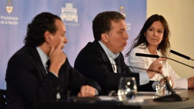 Sica, Dujovne y Stanley en la conferencia de prensa en la que se anunció el último paquete de medidas (Adrián Escandar)