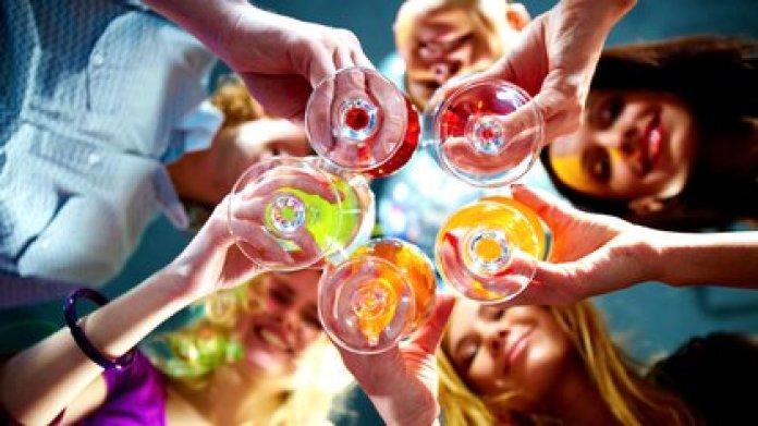 El consumo de alcohol es un problema de salud pública a nivel global. (Shutterstock)
