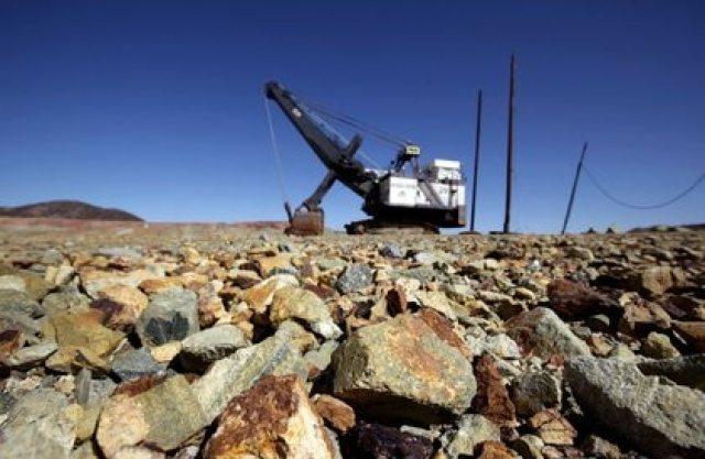Una máquina de minería captada en la mina de cobre de Cananea, que es propiedad de Grupo México (Foto: REUTERS/Daniel Aguilar)