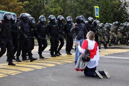 Por quinto fin de semana consecutivo, miles de personas protestaron en Misnk (Reuters)