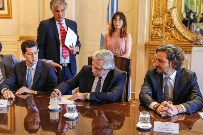 Alberto Fernández junto al ministro del Interior, Eduardo