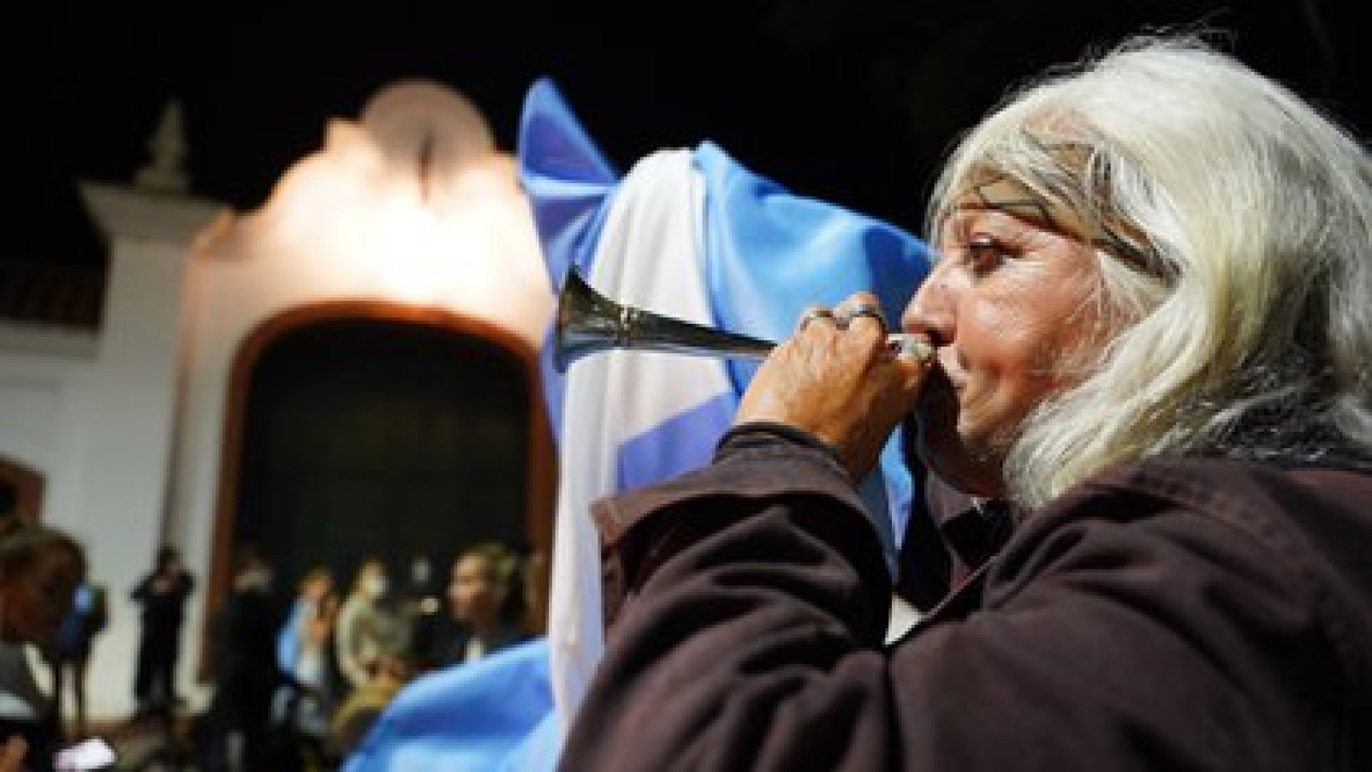 Las protestas de una multitud se hicieron sentir en Olivos y alrededores (Franco Fafasuli)