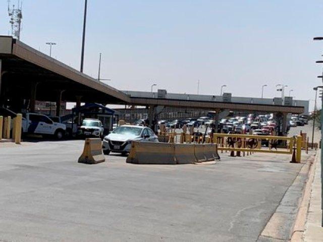 En la imagen un registro del puente internacional Paso del Norte, entrada a la ciudad de El Paso (Texas, EE.UU.). EFE/Laura Barros