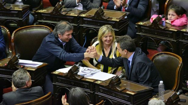 Máximo Kirchner y Sergio Massa en Diputados (Frente de Todos)