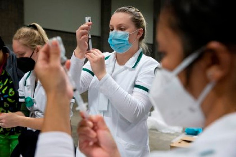 Currently, the United States allows those who have already been vaccinated to travel freely through its territory (Photo: EFE / Michael Reynolds).