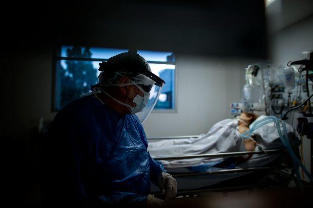 El intendente Ariel Sujarchuk dice que en Escobar tienen ocupado el 100% de las camas de terapia intensiva  (FE/ Juan Ignacio Roncoroni/Archivo)
