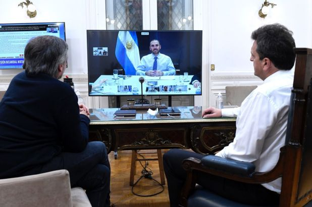Guzmán con diputados del Frente de TODOS entre ellos Massa y Máximo Kirchner