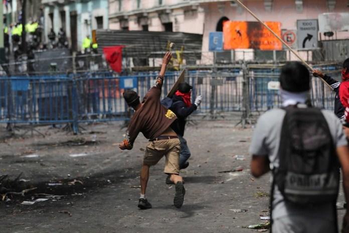 Miles de ecuatorianos volvieron a salir a las calles este miércoles (Reuters)