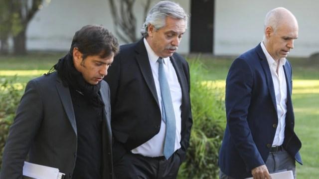 Alberto Fernández flanqueado por Axel Kicillof y Horacio Rodríguez Larreta