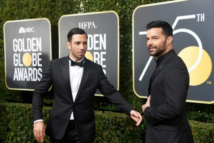 Ricky Martin con su esposo Jwan Yosef durante la gala de los Globos de Oro