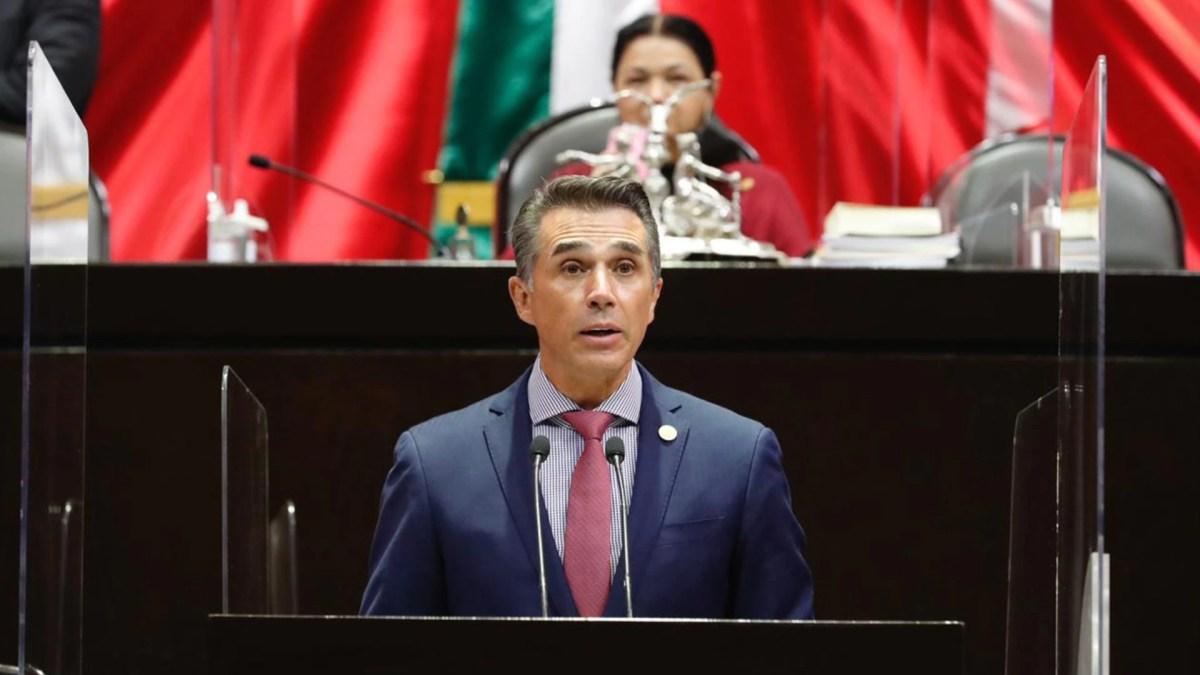 Sergio Mayer en sesión en la Cámara de Diputados