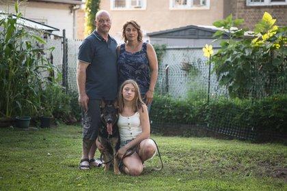 Buddy con su familia (National Geographic)