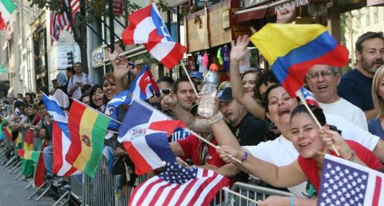 A pesar de los dichos de Trump sobre los inmigrantes y de sus políticas, como el fin de la DACA y la separación de familias en la frontera, los latinos podrían incidir en la reelección del republicano.