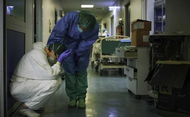 Enfermeras y trabajadores de la Salud en Italia (AFP Paolo Miranda)