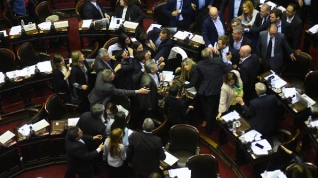 El comienzo del enfrentamiento entre Massot y Filmus (Manuel Cortina)