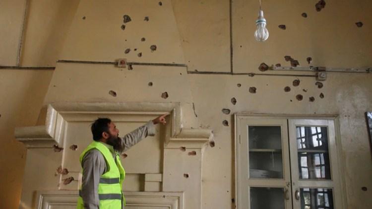 Según el jefe de la policía de Peshawar, Muhammad Tahir Jan, tres asaltantes resultaron muertos (Reuters)