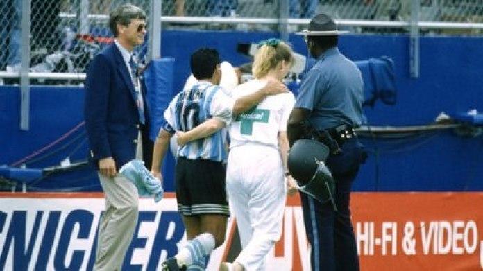 La última imagen de Maradona en un Mundial (Grosby)