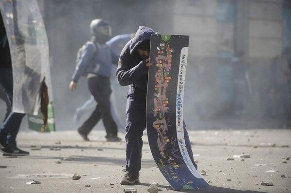 Los manifestantes intentaron ingresar a la gobernación bonaerense