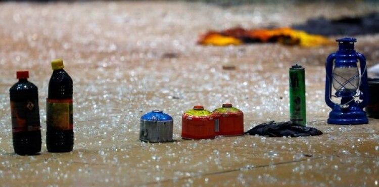 Cartuchos de gas butano y otros elementos (Reuters)