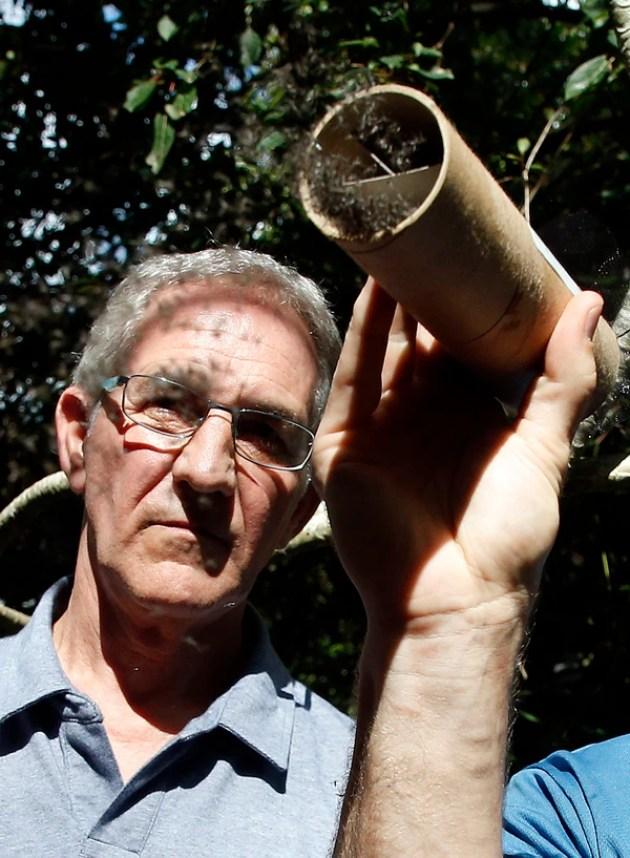 Dr. Bill Petrie, Director del departamento de control de mosquitos deMiami (AFP PHOTO / RHONA WISE)
