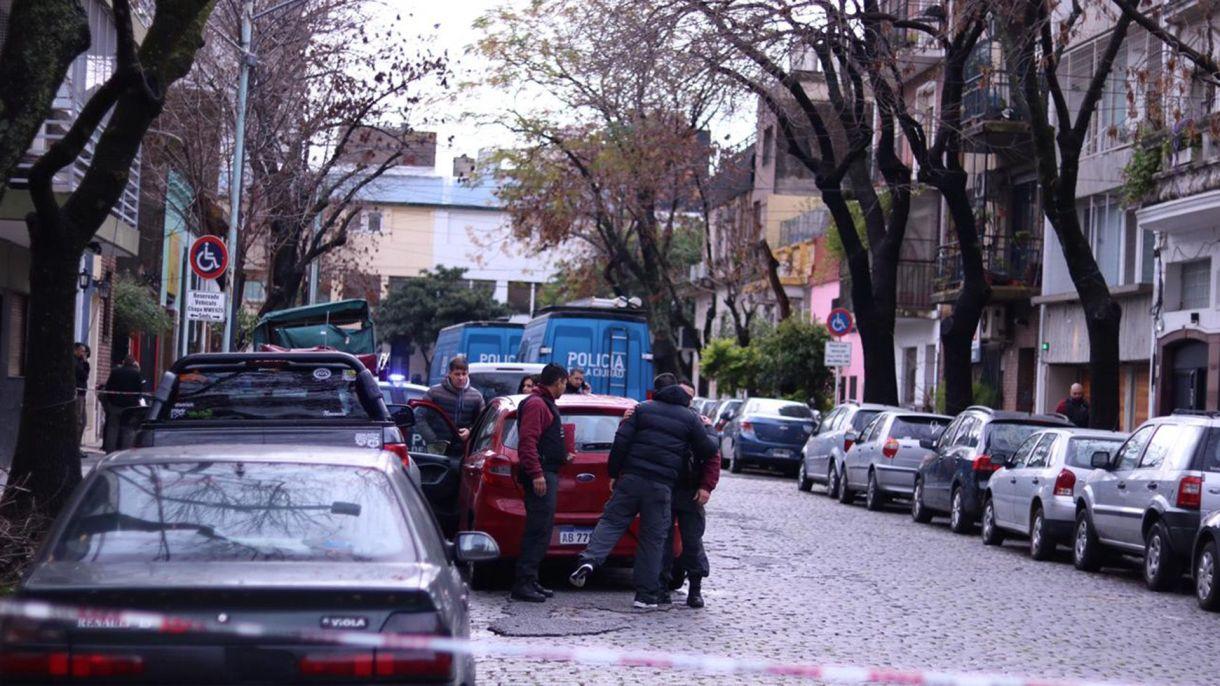 El cuerpo de María Lourdes Arangio apareció envuelto en una frazada en plena calle con varios días de descomposición (Augusto Fornaciari)