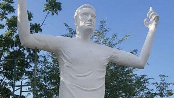Así está hoy la estatua de Falcao