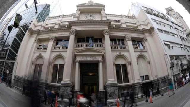 Las reservas de Banco Central bajaron USD 145 millones (AFP)