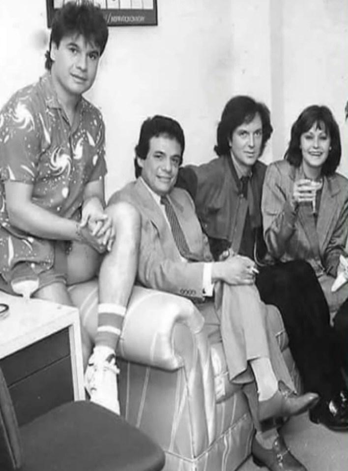 Camilo Sesto se unió a Rocío Durcal y Juan Gabriel, cantantes que murieron hace unos años, siendo José José, el único sobreviviente de esta instantánea (Foto: Archivo)