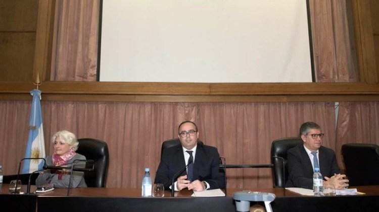 El Tribunal Oral Federal 4 compuesto por Gabriela López Iñiguez, Pablo Bertuzzi y Guillermo Costabel