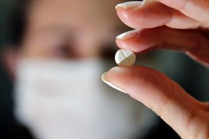 La comunidad científica está trabajando para desarrollar píldoras contra el coronavirus (REUTERS/Diego Vara)
